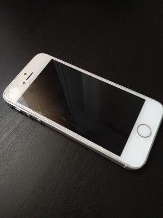 iPhone 5s con pantalla rota