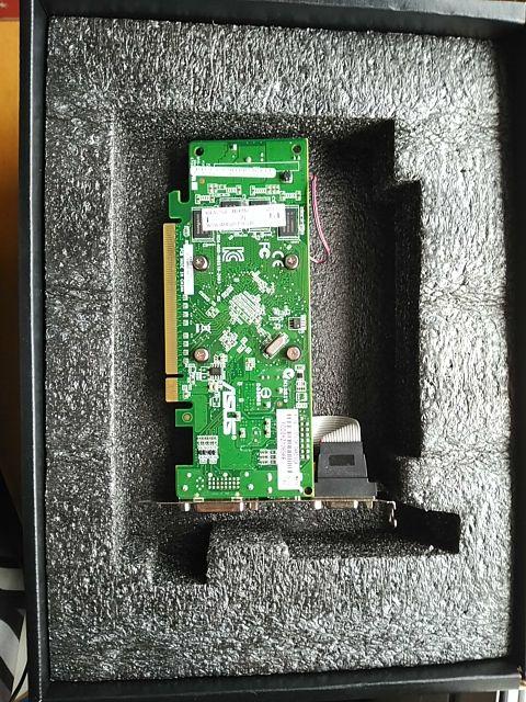 Tarjeta gráfica AMD R7 340