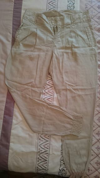 Pantalón Berskha color beige