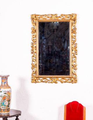 Espejo Antiguo Con Motivos Florales En Pan De Oro
