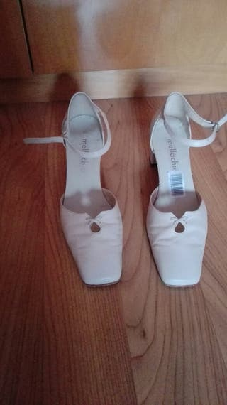 Zapatos de tacón Núm. 39 NUEVOS