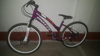 Bicicleta mountain bike de chica