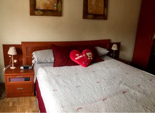 Habitación con armario incl. Color cerezo 1,35 cm.