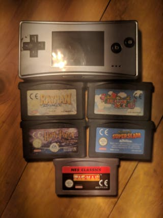 gameboy micro + games