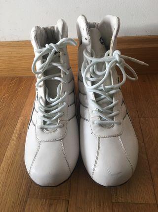 Zapatilla bota J'Hayber. Talla 38