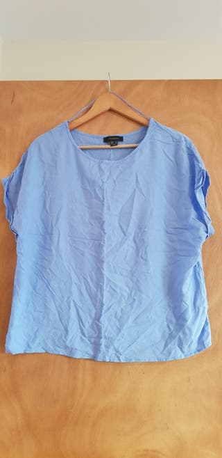 Blue top size 16