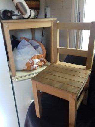 sillas y mesa madera infantiles Ikea