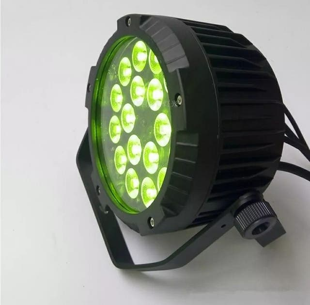 4 PROYECTORED LED RGBW 18X10W NUEVOS..