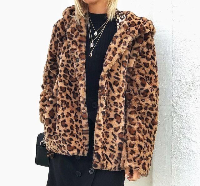 fotos oficiales fc807 8a70d Abrigo pelo leopardo de segunda mano por 20 € en Benidorm en ...