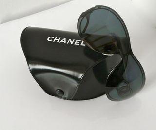 lunettes de soleil Chanel et étui