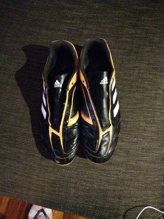 vendo guayos Adidas