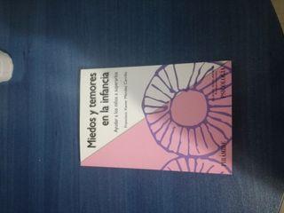 Libro de psicología, miedos y temores en la infanc