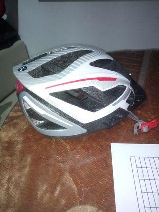 Casco para bicicleta regulable