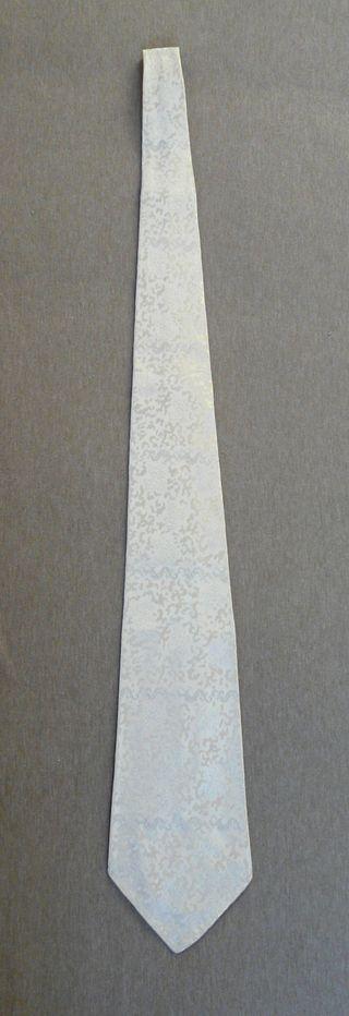 cravate 100% soie tissée blanc cassé gris clair