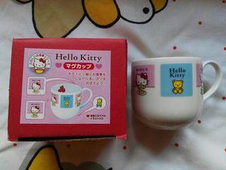 Taza Hello Kitty importada de Japón. Nueva