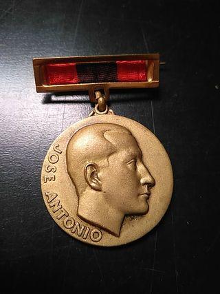 medalla Jose Antonio