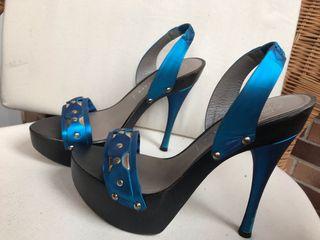 Sandalias VERSACE azul claro original