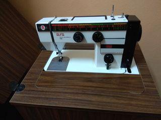 Máquina de coser Marca Alfa