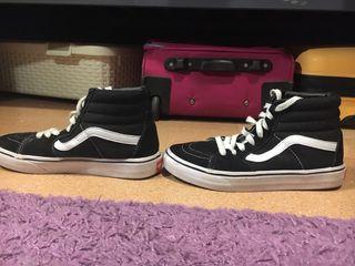 Zapatillas vans negras de segunda mano por 30 € en Donostia