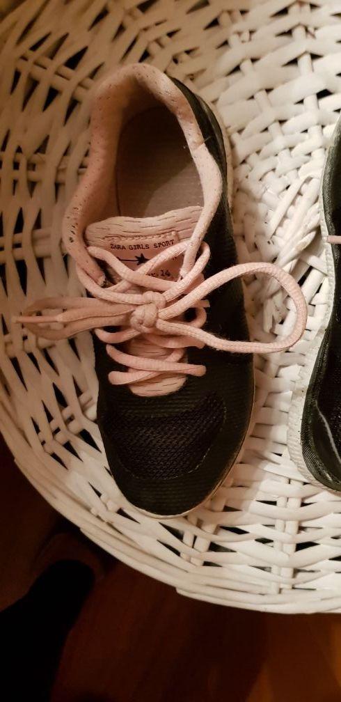 b67a78f2c Zapatillas negras y rosas niña Zara talla 32 de segunda mano por 3 ...