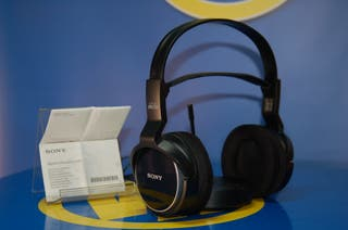 Auriculares inhalambricos SONY model MDR-RF8102