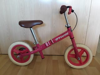 Bicicleta Btwin rosa sin pedales
