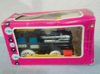 juguete antiguo locomotora barval