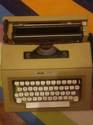Máquina de escribir Olivetti Lettera 25