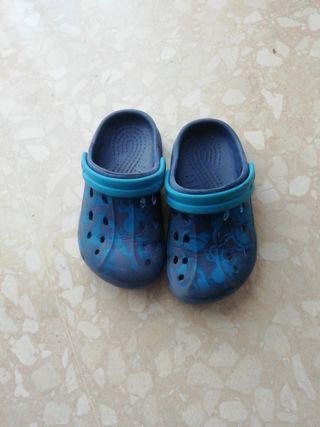 Crocs / zapatillas num 25