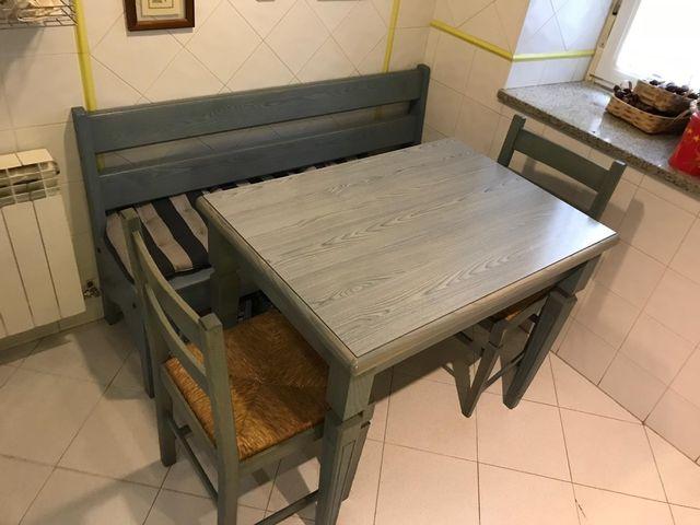 Mesa,banco y 2 sillas cocina de segunda mano por 250 € en Béjar en ...