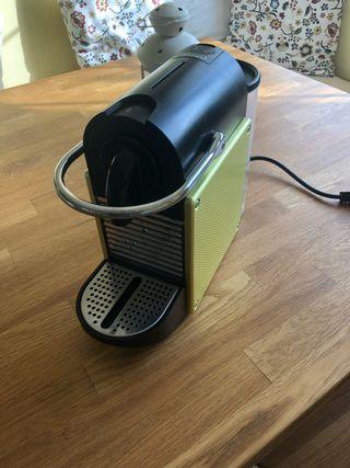 Cafetera Nespresso cápsulas