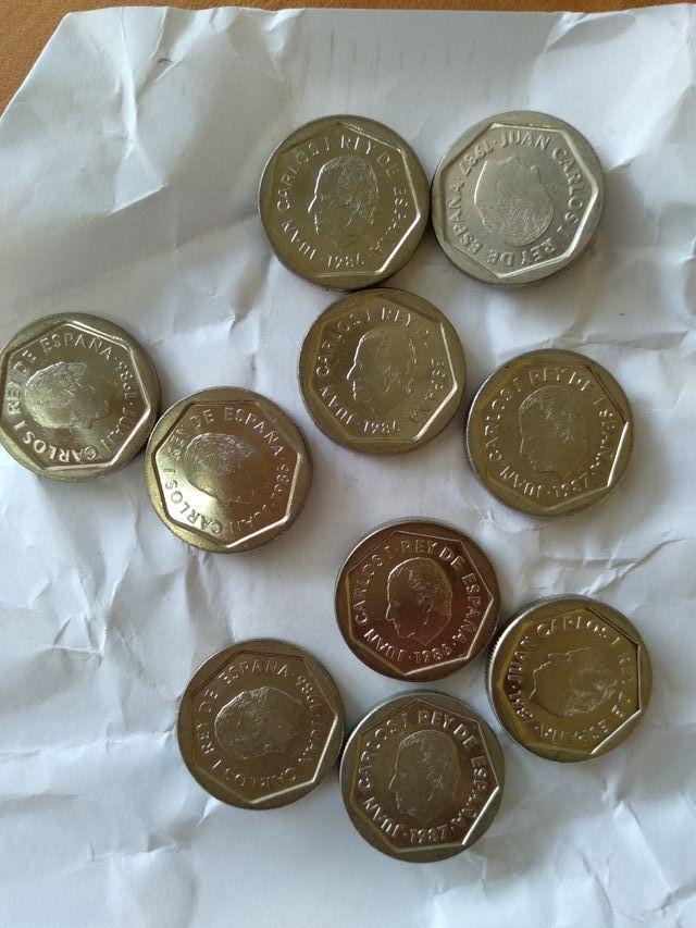 Lote 100 monedas de 200 pesetas años 1986, 1987