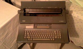 Maquina de escribir electrica.