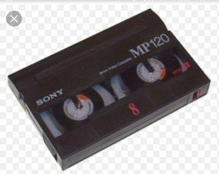 se pasan cintas de vídeo VHS y 8mm
