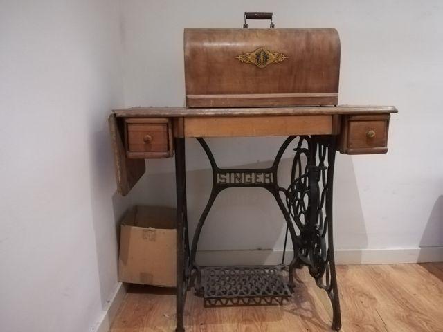 Mesa para maquina de coser Singer de segunda mano por 150