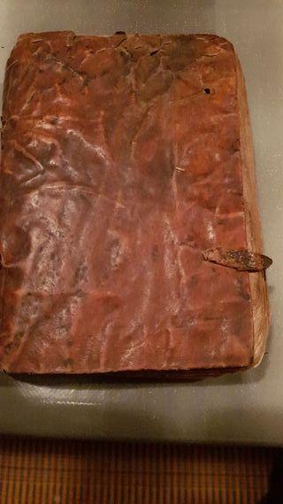 LIBRO ANTIGUO EL LUNARIO 1747