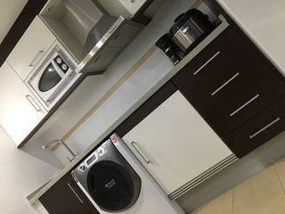 Cocina con encimera de silestone gris 2,20m