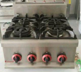 Cocina industrial sobre mesa 4 fuegos