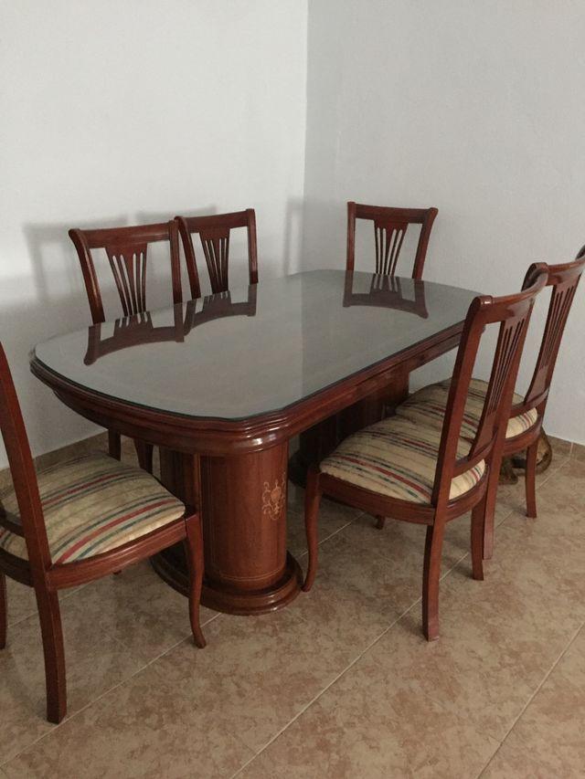 Mesa comedor extensible a juego con 6 sillas, de segunda mano por ...
