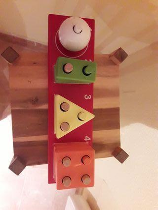 Encajable de madera.