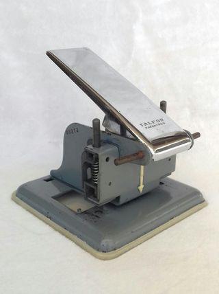 Taladradora de papel