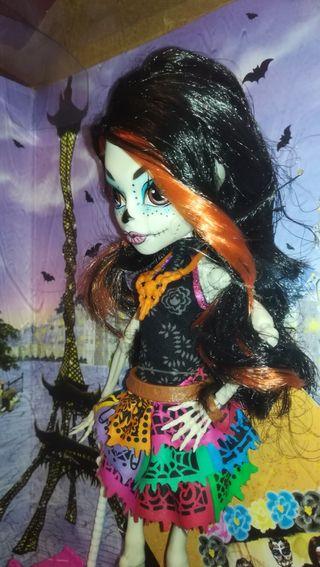 Esquelita Calaveras muñeca Monster High
