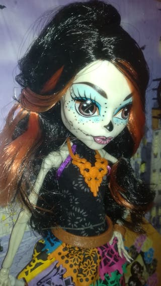 Esquelita Calaveras muñeca Monster High