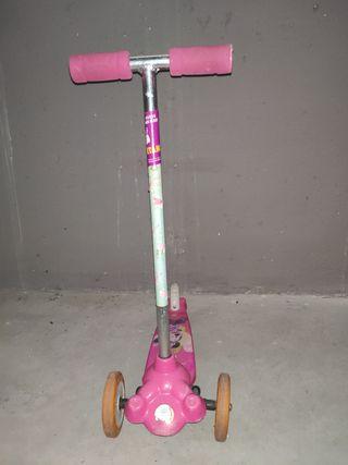 Patinete 3 ruedas Minnie Mouse Twist & roll