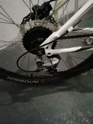 bicicleta de montaña GT talla M