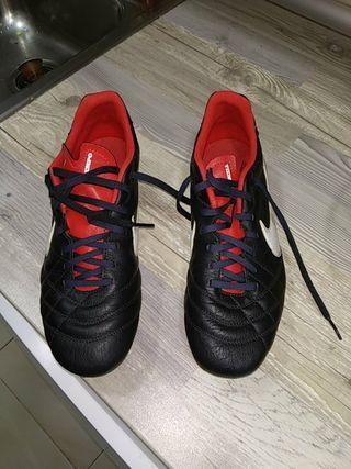 Zapatillas Nike Tiempo T.42
