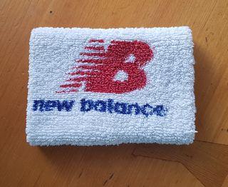 muñequeras new balance