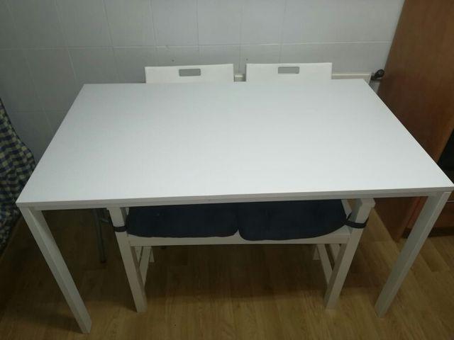 Mesa cocina Blanca de segunda mano por 75 € en Coslada en WALLAPOP
