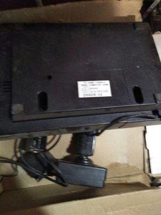 consola atari 2600( atari) con un control