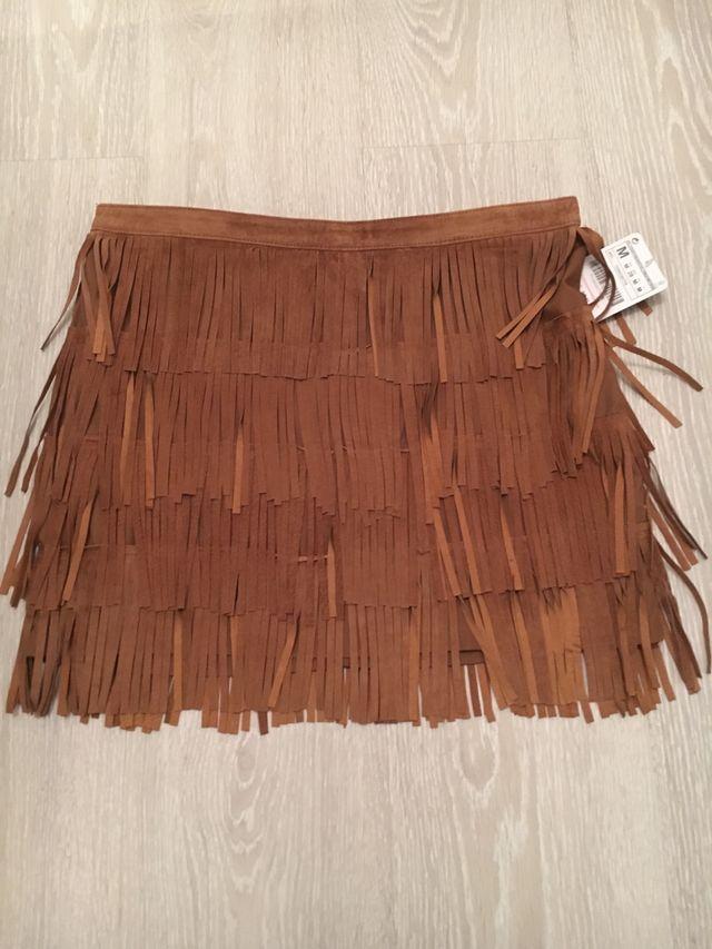 ffabc655c Falda Zara tM marrón flecos NUEVA de segunda mano por 26 € en Las ...